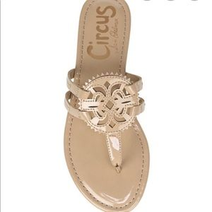 NWT Circus by Sam Edelman Canyon Medallion Sandals